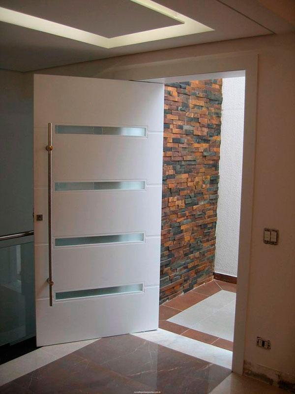 Porta pivotante madeira sp italian madeiras for Portas de apartamentos modernas